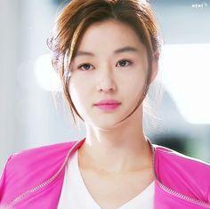 jun ji hyun as Cheon Song Yi in my love from the stars Korean Makeup, Korean Beauty, Asian Beauty, Jun Ji Hyun, Korean Actresses, Korean Actors, Korean Dramas, Korean Star, Korean Girl
