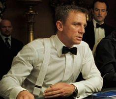 Effortless cool, Daniel Craig as James Bond in white shirt and braces (suspenders) Suspenders Outfit, White Suspenders, Braces Suspenders, Terno James Bond, James Bond Tuxedo, Mens Evening Wear, 007 Casino Royale, Mens Braces, Outfits