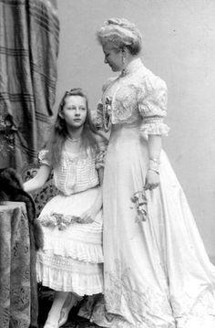 Kaiserin Augusta Viktoria and Princess Viktoria Luise Princess Louise, Princess Alice, Royal Princess, Princess Victoria, Prince And Princess, Queen Victoria, Wilhelm Ii, Kaiser Wilhelm, Imperial Clothing