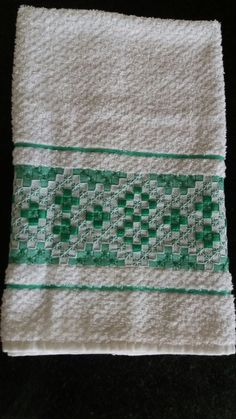 Towel, Embroidery, Diy, Album, Blue Towels, Hand Towels, Couch Arm Covers, Crochet Cross, Crochet Fish