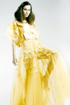 Fabric Manipulation for Fashion - Origami Dress with structured folds & creative surface pattern detail // Vivien Chong