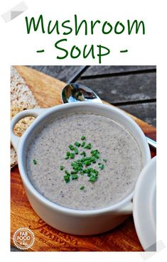 This garlicky Mushroom Soup recipe is so quick, easy and delicious. Made with a punnet of mushrooms this recipe makes 4 generous servings! #mushroomsoup #mushroonsouprecipes #creamofmushroomsoup #souprecipe Autumn Recipes Vegetarian, Vegetarian Breakfast Recipes, Vegetarian Main Dishes, Vegetarian Appetizers, Vegan Soups, Vegan Recipes Easy, Mushroom Soup Recipes, Best Soup Recipes, Dinner Recipes