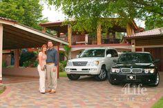 4Life's Platinum International Diamonds Herminio Nevarez and Yadira Olivo.
