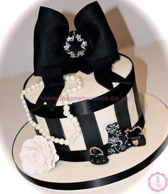 Hatbox Birthday Cake!