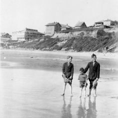 Nye Beach, Newport, OR, (Oregon Digital) home Newport Oregon, Old Time Photos, Historical Pictures, Oregon Coast, Beach Hotels, Pacific Northwest, Nye, North West, Evergreen
