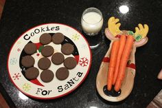 DON'T YOU LOVE THE PLATE FOR THE REINDEER'S??!!!! Keeping up with the Kiddos: Christmas Traditions