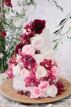 Burgundy Wedding Cake - Photography: Tasha Seccombe