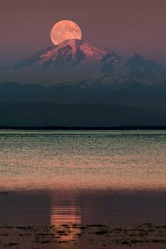 The Moon over Mount Baker by Alexis...)