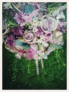 anmesia roses astrantia waxflower eycalyptus bouquet wedding
