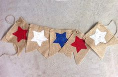 Just need burlap! Chilli Festival, National Holidays, Eagle Scout, Ideas Para Fiestas, Patriotic Decorations, Diy Party, Classroom Decor, Fourth Of July, Independence Day