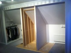 garderob 3 Loft Storage, Small Space Storage, Eaves Storage, Small Attic Room, Attic Rooms, Room Interior, Interior Design Living Room, Modern Bedroom, Bedroom Decor