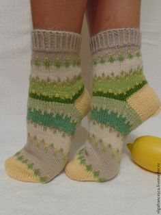 Мятная карамель Crochet Socks, Knitting Socks, Knit Crochet, Laine Rowan, Knitting Designs, Knitting Patterns, Sock Toys, Winter Socks, Chrochet
