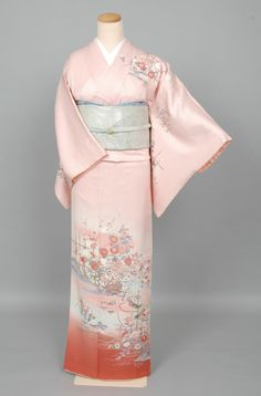 Yukata Kimono, Kimono Japan, Japanese Kimono, Traditional Kimono, Traditional Fashion, Traditional Dresses, Japanese Outfits, Japanese Fashion, Kimono Fashion