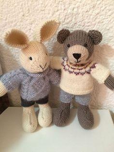 Knitting Bear, Teddy Bear Knitting Pattern, Easy Knitting Patterns, Knitting For Kids, Knitting Projects, Knitted Dolls, Crochet Toys, Little Cotton Rabbits, Original Design