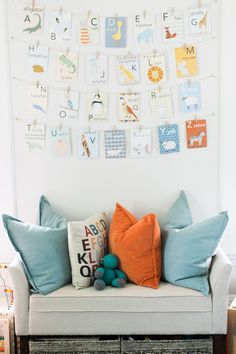 Alphabet Cards in Colorful Playroom - Project Nursery Playroom Wall Decor, Playroom Design, Playroom Ideas, Playroom Flooring, Playroom Table, Kid Playroom, Playroom Storage, Project Nursery, Ideas Habitaciones