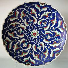 --A Benchmark pin from Anthea Hasler's To Sup in Splendor (Modern) board-- Mavicini Islamic Tiles, Islamic Art, Plate Wall Decor, Art Decor, Pottery Painting, Pottery Art, Clay Plates, Arabesque Pattern, Talavera Pottery