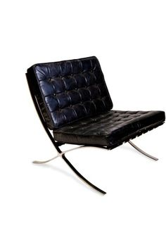 One of the few Bauhaus pieces that actually looked comfortable. Bauhaus Chair, Bauhaus Furniture, Bauhaus Interior, Bauhaus Style, Bauhaus Design, Style International, Chair Design, Furniture Design, Ludwig Mies Van Der Rohe
