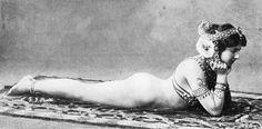 Titre de l'image :  French Photographer - Mata Hari, c.1905 (b/w photo)