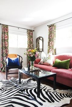 House Tour: A Traditional Meets Glamour Apartment | Apartment Therapy