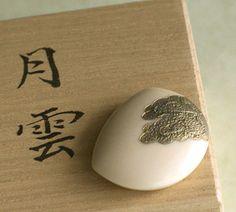 帯留「月雲」 - 和こもの花影抄