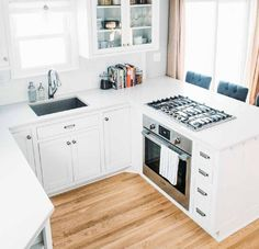Small Kitchen Stove in Breakfast Bar