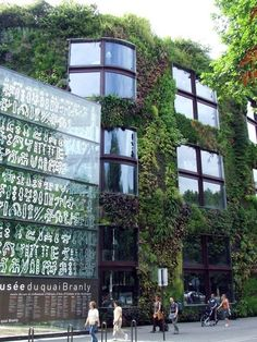 Love a Green Wall.  This is in Paris.  Courtesy ExPress-O