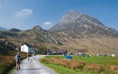 Britains best remote campsites By Phoebe Smith, telegraph.co.uk Phoebe Smith, the author of a new book on wild camping in Britain, picks her favourite remote campsites.Among the following are both cracking wild-camping spots and sites with a remote flavour but the luxury of hot running water. Prices a…