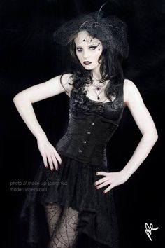 Model: Vipers Doll                       Gothic and Amazing