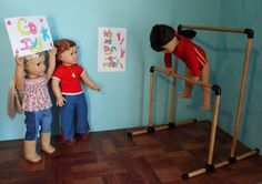 Building set - dowels and plastic pieces to build multiple things like hammock, swing, ballet bar, goalie net, volley ball net etc American Girl Mckenna, American Girl Crafts, American Girl Clothes, American Girls, Doll Crafts, Diy Doll, Ag Dolls, Girl Dolls, Girls Dollhouse