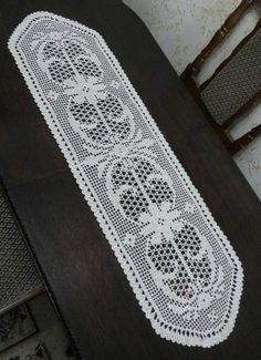 Crochet Table Runner Pattern, Crochet Lace Edging, Crochet Tablecloth, Filet Crochet, Crochet Doilies, Crochet Stitches, Doily Patterns, Crochet Patterns, Crochet Decoration