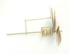 베어링 2차 - 6 판을 펼친 상태에서 옆에서 본 모습이다. 각각의 판들은 두꺼운 종이로 연결되어 있다.