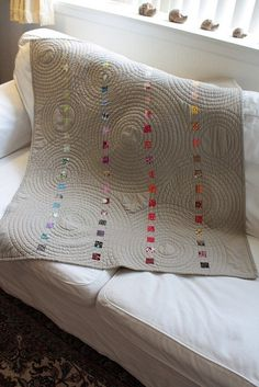 simple modern quilt by sophia