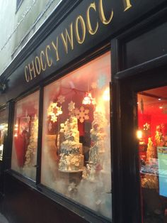 Choccywoccydoodah - Brighton - The Lanes - Visual Merchandising - Retail Theatre - Lifestyle - www.clearretailgroup.eu