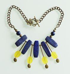 Plastron ethnique lapis lazuli, jade jaune et pyrite : Collier par majela-bijoux