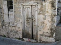 Doors, Gate