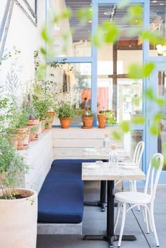 Outdoor Garden Patio by Lili Cuzor seen at Botanica Restaurant & Market, Los Angeles Cafe Seating, Built In Seating, Outdoor Seating Areas, Patio Seating, Outdoor Dining, Outdoor Spaces, Outdoor Decor, Seating Plans, Outdoor Restaurant Patio