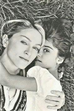 Madonna and child. Madonna Family, Madonna Daughter, Madonna And Child, Verona, Madonna 80s Outfit, Madonna Pictures, Grace Beauty, Celebrity Kids, Material Girls