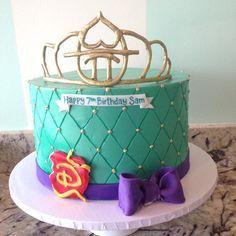 Web_Disney_Descendants_Cake.jpg (700×700)