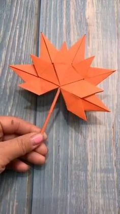 Diy Crafts Hacks, Diy Crafts For Gifts, Diy Arts And Crafts, Fun Crafts, Paper Flowers Craft, Paper Crafts Origami, Paper Crafts For Kids, Diy Paper, Instruções Origami