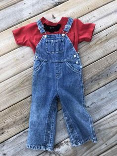 Add white gloves and a Mario red hat and you're all set! OLD NAVY BIB Overalls Denim Bibs with snap openings at legs, two back pockets. Homemade Halloween Costumes, Halloween Town, Halloween Masks, Baby Halloween, Costume Contest, Cosplay Outfits, Red Hats, Complete Outfits