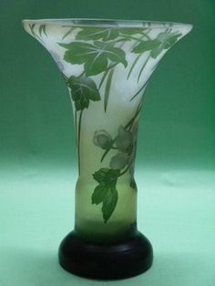 CAMEO GALLE ART GLASS STYLE VASE WITH FLOWER