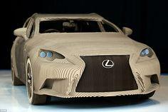 SABIOS DE COCHES: Lexus de cartón, no apto para días de lluvia