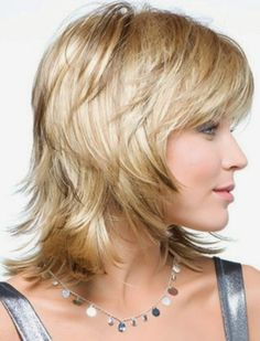 Short layered haircuts for fine hair are something often called as ideal. This may be the reason why the haircuts are often chosen by those with fine hair, Bangs With Medium Hair, Medium Hair Cuts, Short Hair Cuts, Medium Hair Styles, Short Hair Styles, Shoulder Length Hair Cuts With Layers, Layered Haircuts Shoulder Length, Fine Hair Styles For Women, Medium Cut