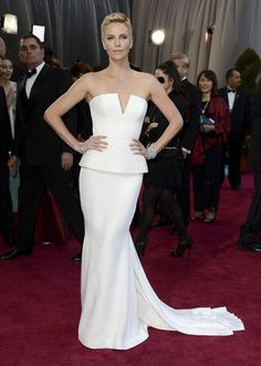 Charlize Theron in Christian Dior 2013 Oscars