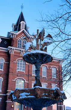 Purdue University  Campus | Home > Toolkit > PhotoGalleries > CampusFountains > 04-017.jpg