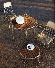 To show Uncle William.. Glass top missing from recycled table & chair set, replace w/ stained wood?