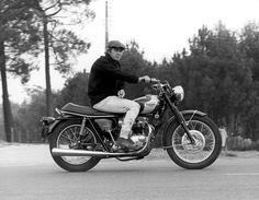 Triumph 650, Triumph Bonneville T100, Triumph Motorcycles, Vintage Motorcycles, Custom Motorcycles, Custom Bikes, Steve Mcqueen Triumph, Steve Mcqueen Motorcycle, Steve Mcqueen Style