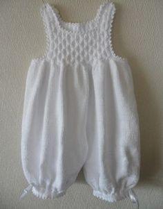 """Babybukse Eg er nok av den """"gammeldagse"""" typen som synes de nye verdensborgerene våre er nydelige i hvitt, det er så rent og fint....... ..."""