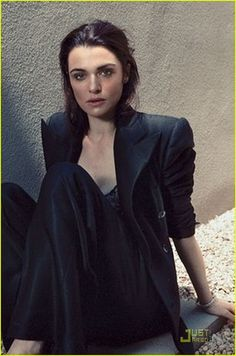 Edge of the Exquisite - Sophisticated, classic and glamorous, Rachel Weisz was the perfect person to model the latest fall fashion for the Edge of the Exquisite editorial. Rachel Weisz The Mummy, Dramatic Classic, Image Icon, Celebs, Celebrities, Gorgeous Women, Beautiful Life, Fashion Pictures, Pretty People