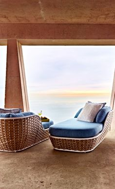 A morning in Santorini. Evoked by a crisp blue-and-white palette and casual wide-weave wicker. Solid And Striped, Blue And White, Modern Outdoor Living, Patio Kitchen, Visual Texture, Outdoor Fabric, Santorini, Perfect Place, Outdoor Spaces